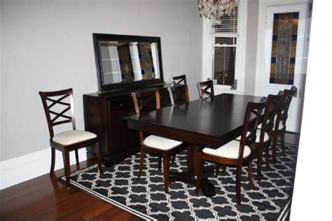 Pictures Of Dining Room With Area Rugs How To Choose The Area Rug For Your Dining Room