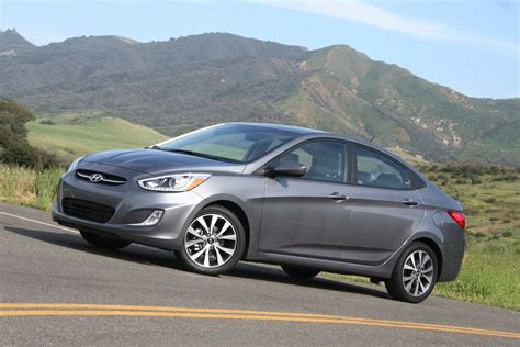 Hyundai Reviews 2015 by 2015 Hyundai Accent Review Autoguide