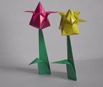 origami tulip flower tulip origami lovetoknow