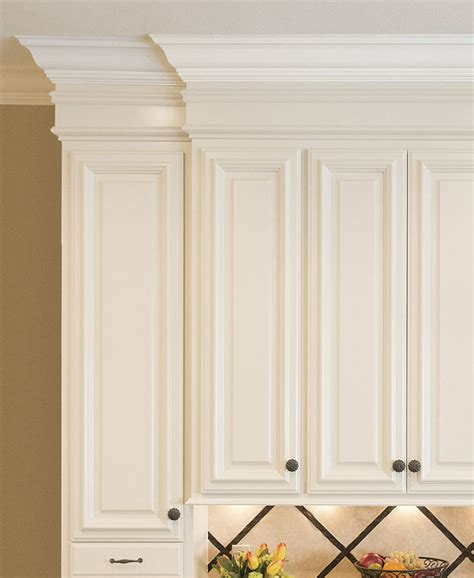 crown molding on kitchen cabinets crown molding for kitchen cabinets homebuilding