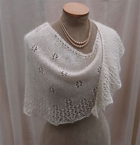 beginner knit shawl pattern snowflakes icicles pattern by sue lazenby ravelry