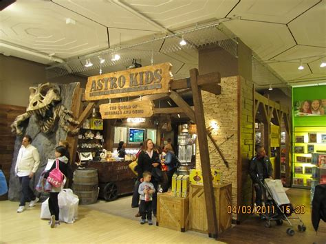 nyc woodworking class fao schwarz nyc gets a new display faux wood workshop