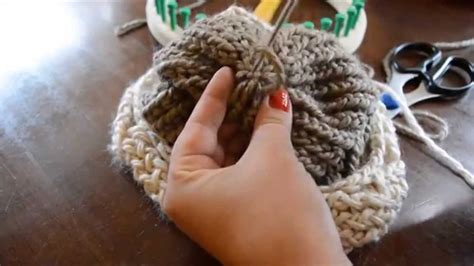 finish knitting finishing your loom knit hat weave in and secure yarn