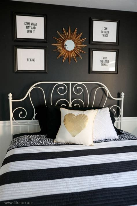 black and white decor for bedroom 25 best ideas about black white rooms on