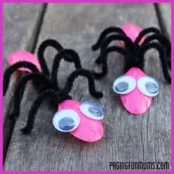 Bug Craft Using Spoons And Pipe Cleaners