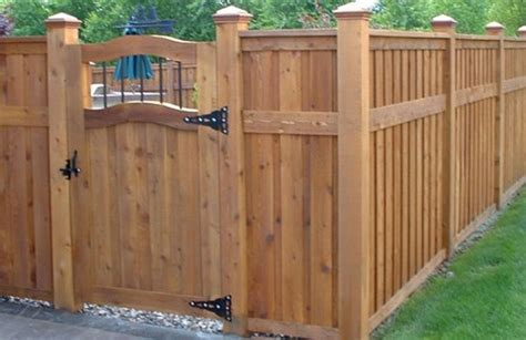 backyard privacy fences backyard fence pictures and ideas