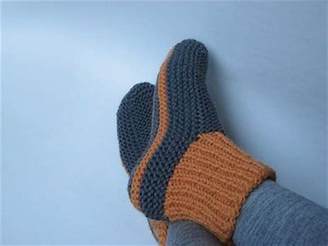 free knitted bed slippers patterns knit slippers one size pattern 1000 free patterns