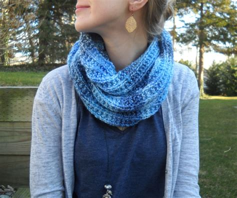 infinity scarf knit pattern wiseknits blues infinity scarf free pattern