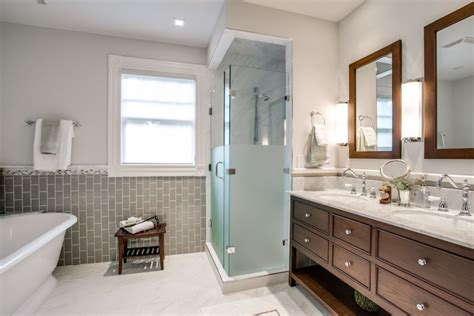 bathroom remodel design what makes the traditional bathrooms bath decors
