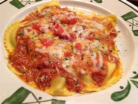 5 cheese marinara olive garden mezzaluna ravioli with 5 cheese marinara yelp