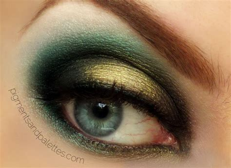 using eye shadow green gold smokey eye using makeup eyeshadow
