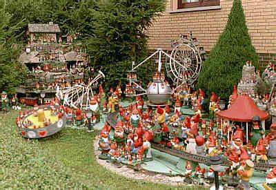 Haus Der Gartenzwerge by Gartenzwerge