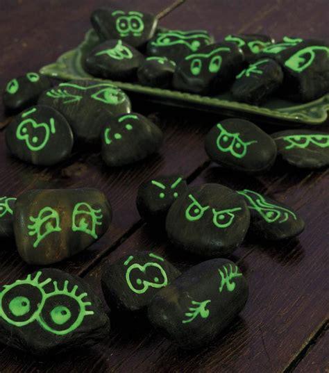 glow in the paint on rocks best 25 glow in paint ideas on glow