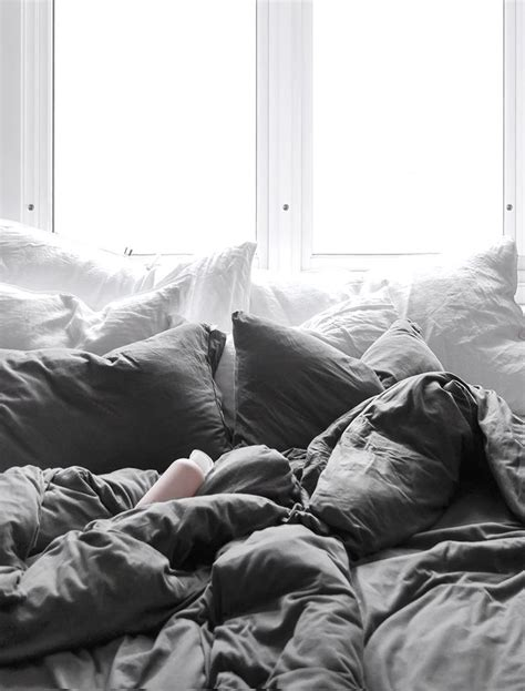 comfy bed sets best 25 comfy bed ideas on fur throw