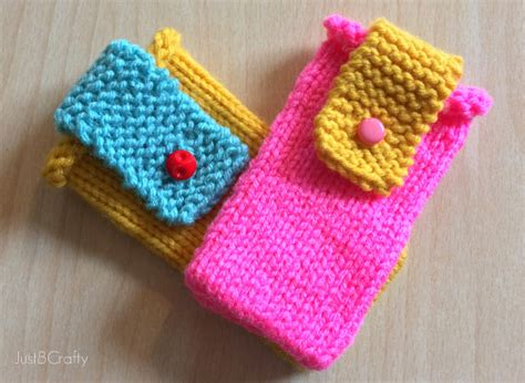 knit projects knit color block iphone cover just be crafty