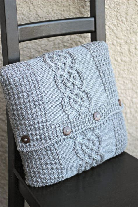 cable cushion cover knitting pattern 25 best ideas about knitted pillows on
