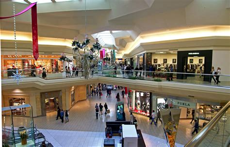 Garden State Mall Jewelry File Mall At Interior Jpg Wikimedia Commons