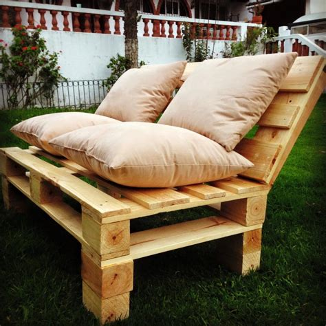 wooden pallet patio furniture pallet patio sofa set 101 pallets