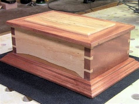woodworking a box woodworking a cut dovetail box