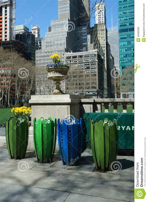 Garden City Ny Garbage Up Garbage Cans Stock Photo Image 40090098