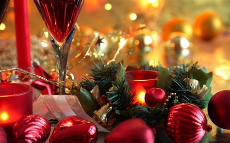 photo of decorations decorations on the table wallpapers and images