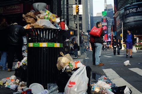 Garden City Ny Garbage Up 14 Non Touristy Things Everybody Should Do In Nyc