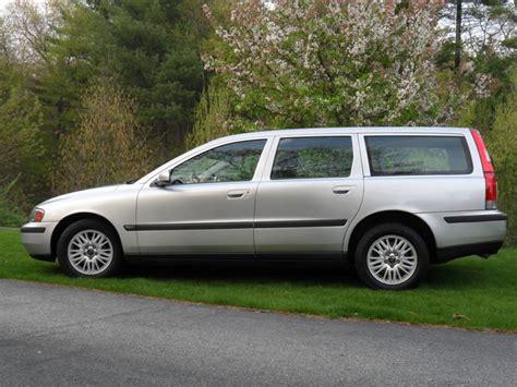 2004 Volvo V70 by 2004 Volvo V70