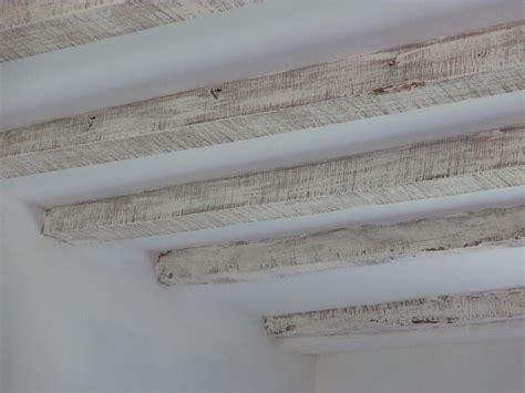 comment peindre un plafond avec des poutres wordmark