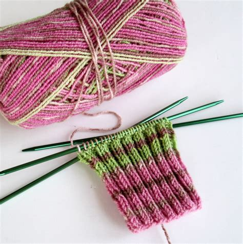 how to knit socks on pointed needles crochet nirvana the mildly mixed up musings of a crochet