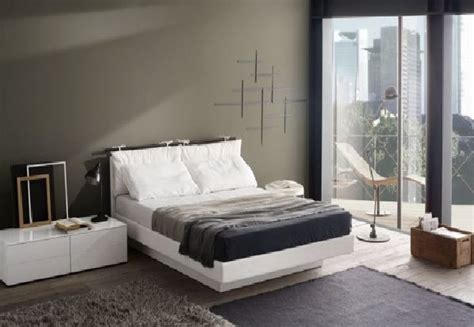 how to decorate a bedroom with white furniture how to decorate a bedroom with white furniture