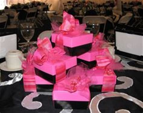 gift box centerpiece ideas 1000 images about bridal shower on bridal