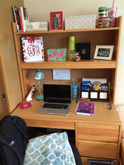 college desk best 25 college desk ideas on room