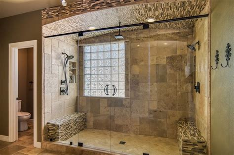 Traditional Master Bathroom With Rain Shower Head