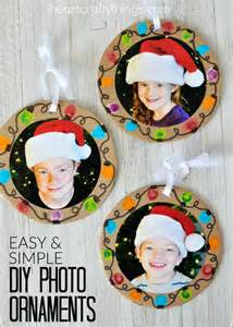how to make photo ornaments easy diy photo ornaments i crafty things