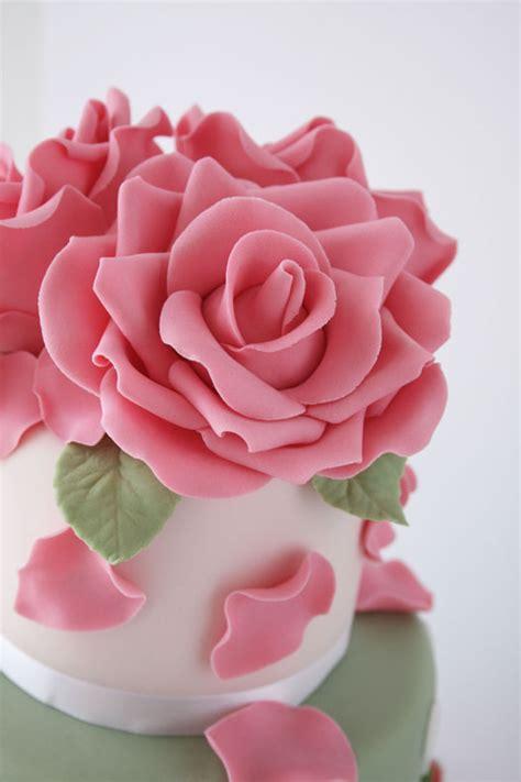 roses tutorial gum paste tutorial on cakejournal