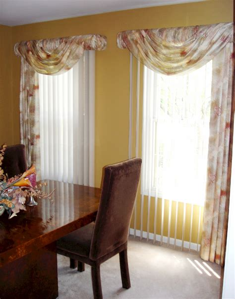 valances for dining room valance ideas dining room with centerpiece chandelier shades china cabinet crown dining room