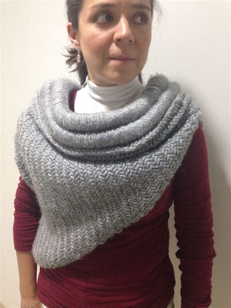 katniss knitted cowl pattern 56 best images about katniss cowl on vests
