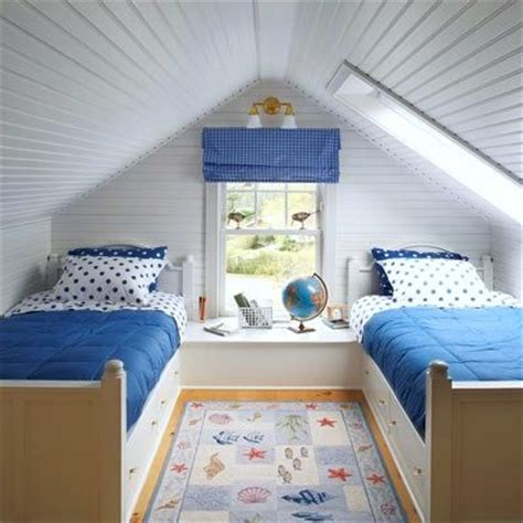 Small Space Kids Bedroom by Best 25 Small Attic Room Ideas On Pinterest Small Attic