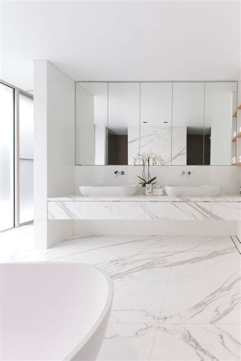 modern marble bathroom best 25 marble bathrooms ideas on modern