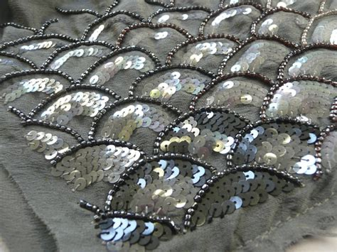 Embroidery Sle With Fish Scale Pattern Using Seed
