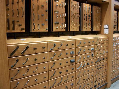 kitchen cabinet screws file kitchen cabinet hardware 2009 jpg wikimedia commons