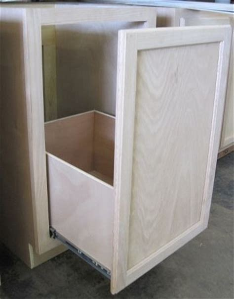 kitchen cabinet garbage can 25 best ideas about trash can cabinet on