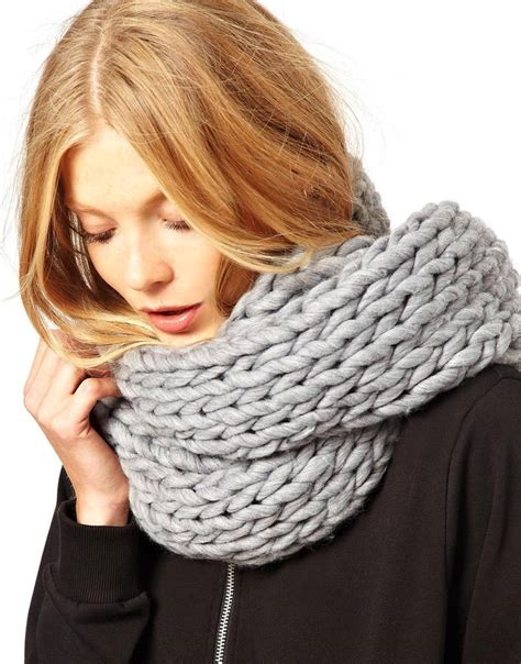 chunky knit scarves monki macy chunky knit scarf in gray lyst