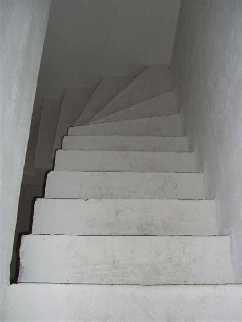 pin habiller un escalier en beton forum bois on