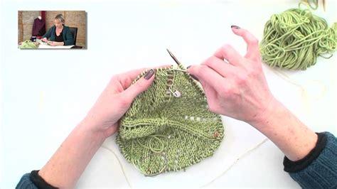 verypink knits eyelet baby blanket part 3