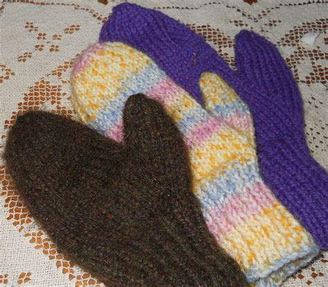 knitting pattern for gloves on two needles plain and joyful living two needle mitten pattern