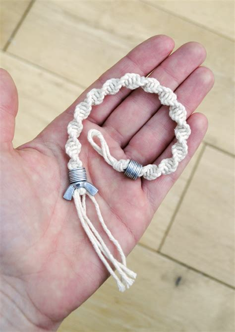 how to make macrame jewelry craft critique spiral knot bracelet