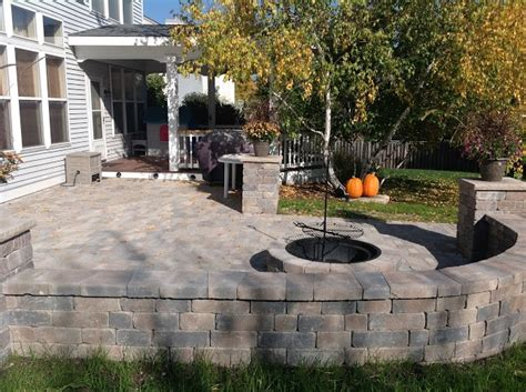 building a patio with pavers building a patio with pavers how to build a raised paver