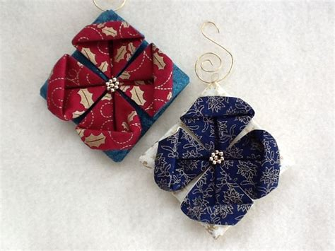 ornaments tutorials 25 best ideas about folded fabric ornaments on