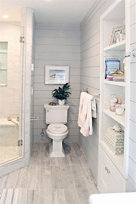 Kitchen And Bathroom Ideas by Best 25 Small Bathroom Makeovers Ideas On